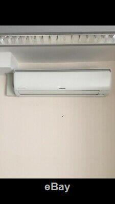Air conditioning unit Samsung Wall Mounted With Three Indoor Units