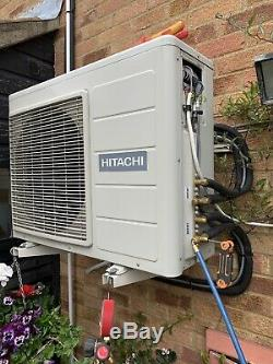 Hitachi Ram 52qh5 Air Conditioning Unit And 2 Indoor Units With Remote